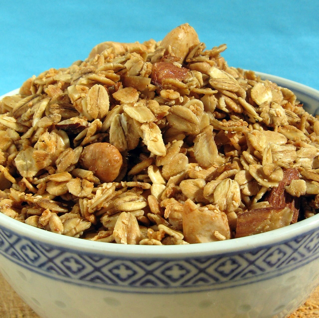 Crunchy Gluten-Free Vegan Granola
