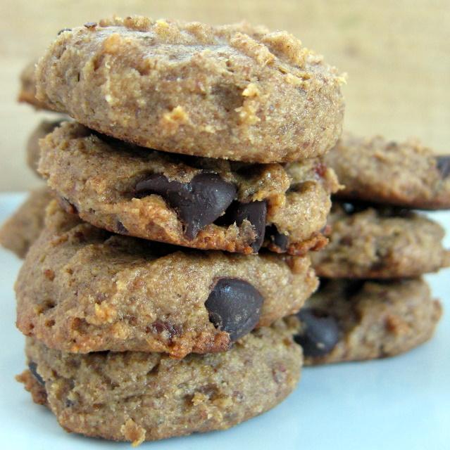 Date-sweetened Peanut Butter Fudge Cookies