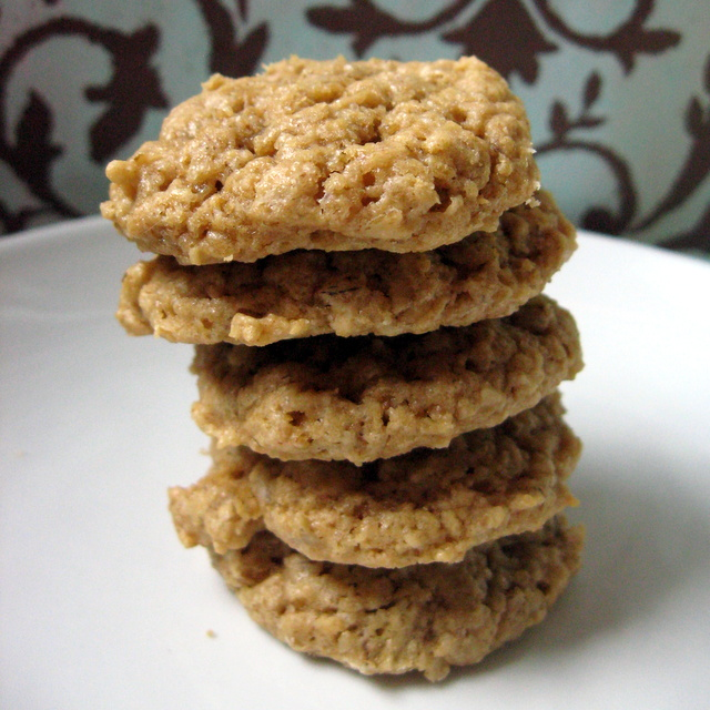 Quick and Easy Peanut Butter Oat Cookies